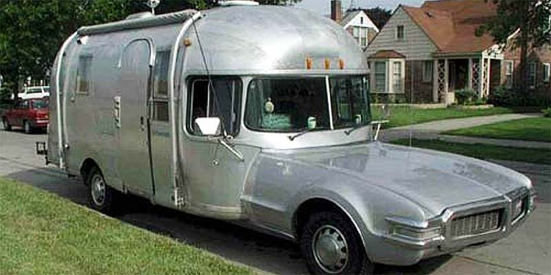 30 Ridiculous Motorhomes You'll Love