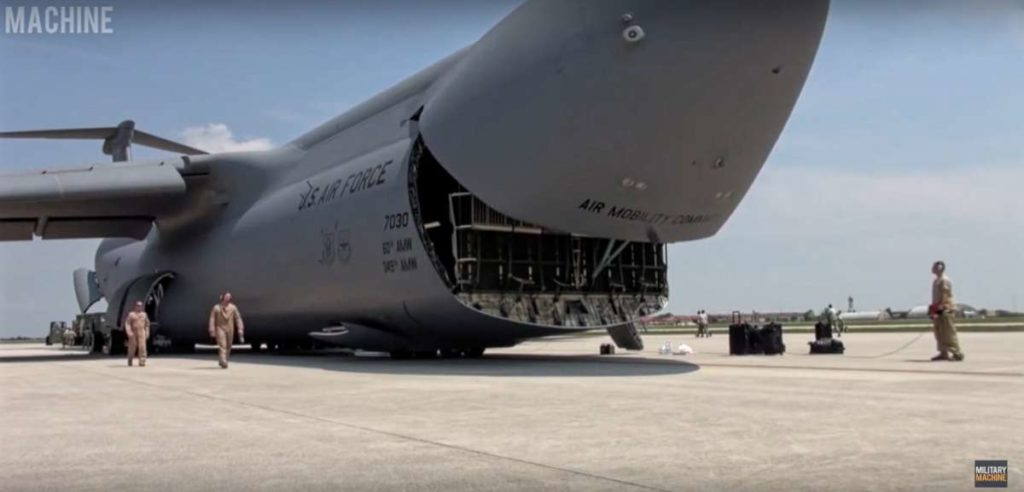 This C-5 Galaxy Aircraft Does Something Very Unique